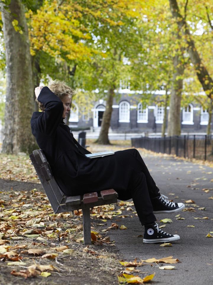 Elanor Dymott portrait photo park bench